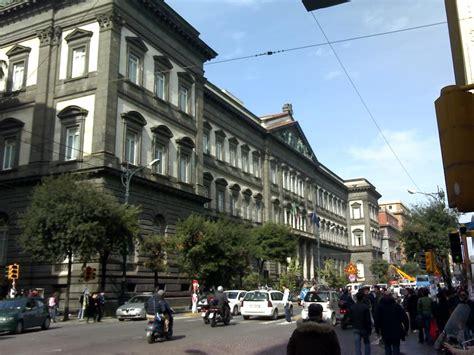 test ingresso economia roma tre panico in corso umberto auto con tre persone a bordo va a