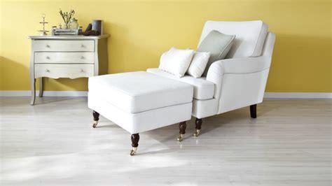 poggiapiedi per divano comfort e stile per il living