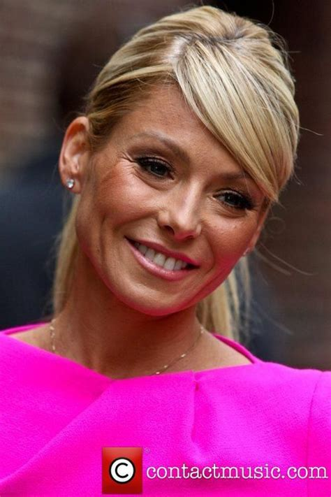 kelly ripa face shape face shape 17 best images about side swiped bangs on pinterest