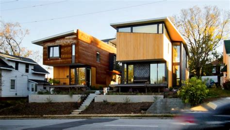 two compact modern homes fill challenging empty lots in an