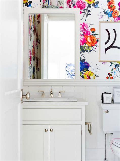 10 tips for rocking bathroom wallpaper