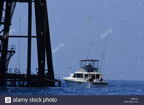 offshore drilling boats texas oil rig ocean stock photos texas oil rig ocean