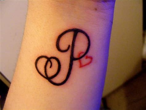 tattooed heart descargar slim curled dark black p letter and tiny red heart wrist
