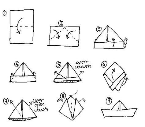 bootje in papier vouwen stappenplan bootje vouwen knutselen bij kleuters