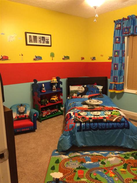 thomas the train bedroom 17 best ideas about boys train bedroom on pinterest