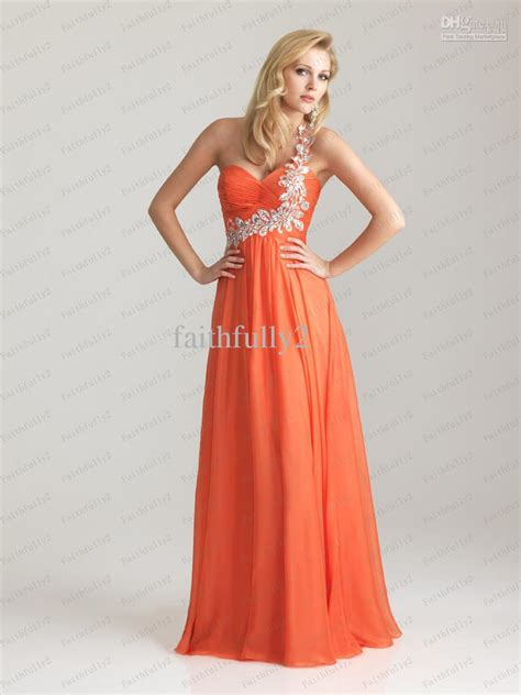 one shoulder prom dresses are very trendy one shoulder prom dresses dress images