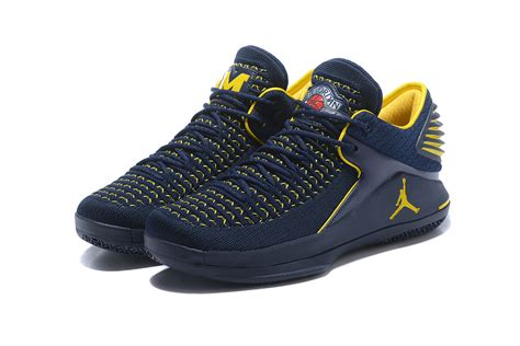 of michigan basketball shoes most popular air xxxii low aj 32 of