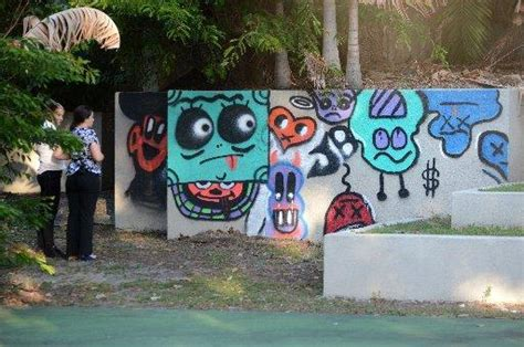 spray painter gold coast why is justin bieber infatuated with spray paint the