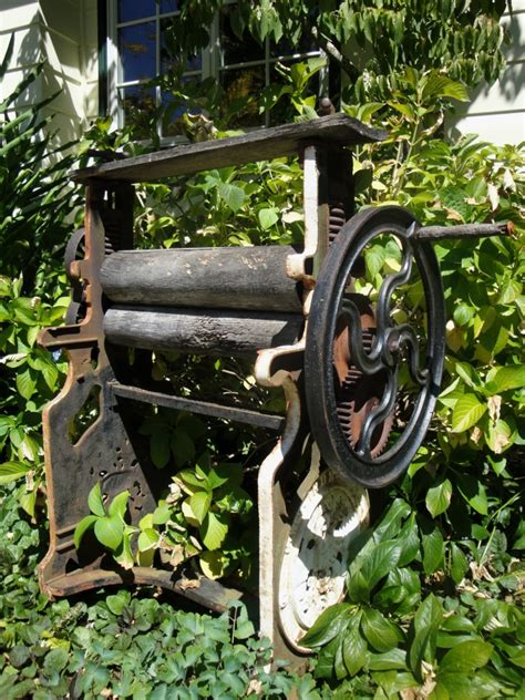 Antique Garden Decor with Garden Decorating To Reflect Your Style Personality