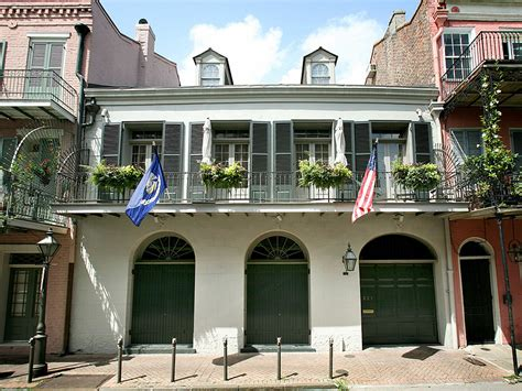 angelina jolie and brad pitt house brad pitt and angelina jolie are selling their new orleans home people com
