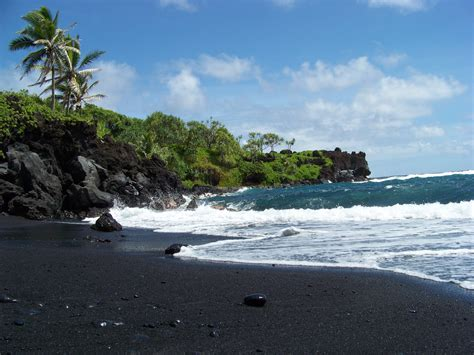 black sand beaches maui black sands beach maui hawaii nature and beauty pinterest