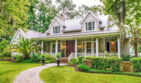 best 25 plantation style homes ideas on