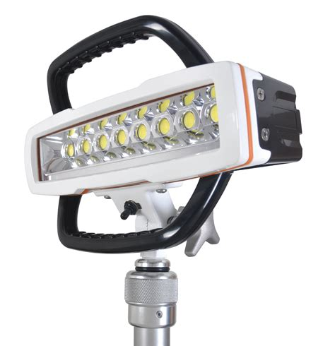 Lu Led Emergency Civitech 7 Watt dc scenestar led 14000 lights