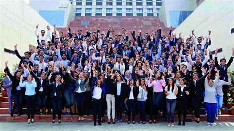 Lpu Mba Placement Package 2016 by Lpu Sets Placement Record 550 Students Hired In A Day