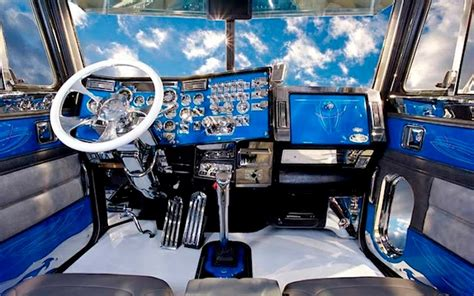 Truck Interior by 10 Amazing Big Rig Interiors That Ll You Away