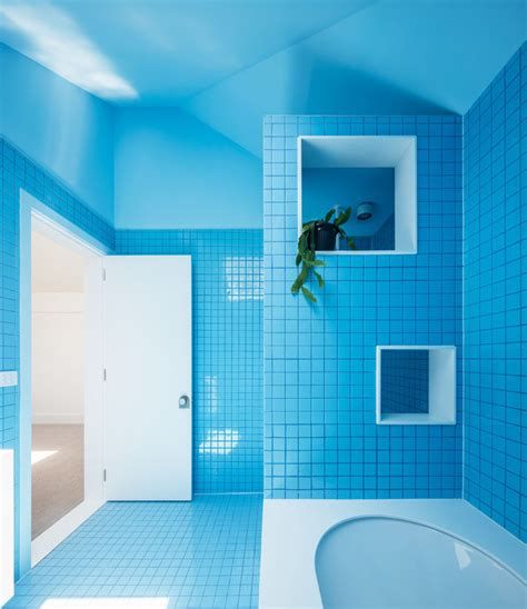 Blaues Badezimmer by This 1930s Brick Bungalow Received A Contemporary Update
