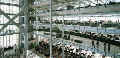 hongkong bank atrium and work space hsbc building hong kong