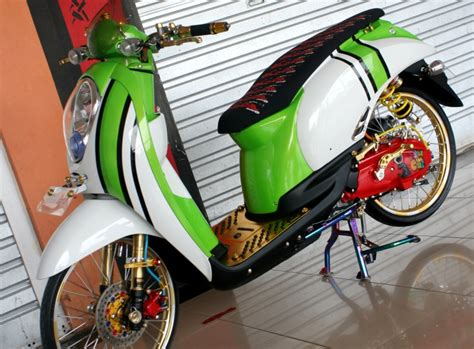 Foto Motor Drag Gila by Honda Scoopy 2010 Bodi Kembung Kaki Ceking Gilamotor