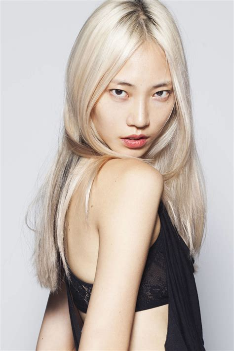 long blonde asian hairstyles soo joo park chosen as first asian american model for l
