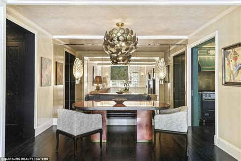 cameron diaz s california style home in the holiday cameron diaz is selling her cover worthy new york