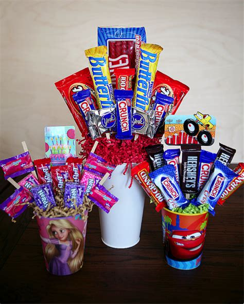 How To Make A Bar Bouquet In A Vase by How To Make A Personalized Bar Bouquet Craft Like This