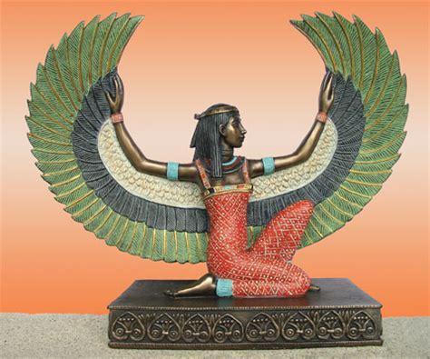 kneeling isis statue