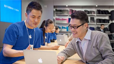 apple genius bar clicks to bricks the genius of warby parker and other