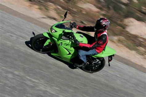 Kawasaki 250 R by Kawasaki 250r 2008 2011 Review Mcn