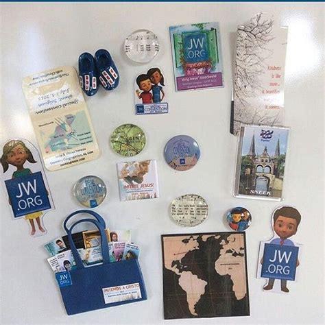 convention merchandise 68 best testigos de jehova images on jehovah s