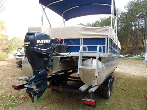 used bentley pontoons for sale 2015 used bentley pontoons 240243 cruise pontoon boat for