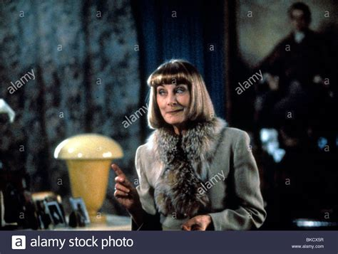 download film tvm cahaya hati fatherland tvm 1994 jean marsh fhrl 045 stock photo