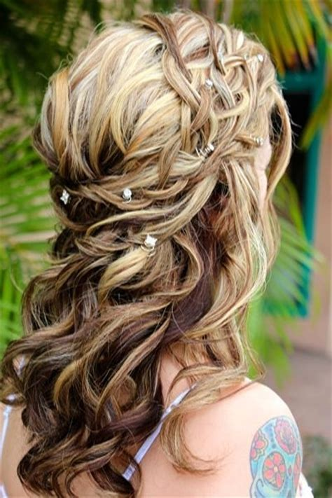 wedding hairstyles half up half down with braid and veil 35 wedding hairstyles discover next year s top trends for