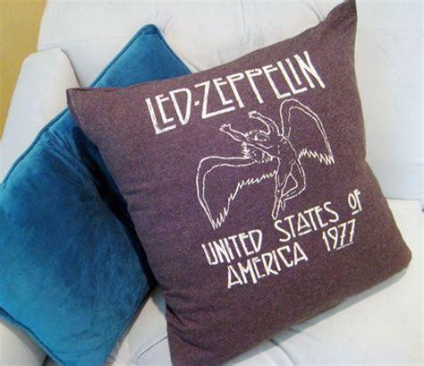 no sew t shirt pillows diy