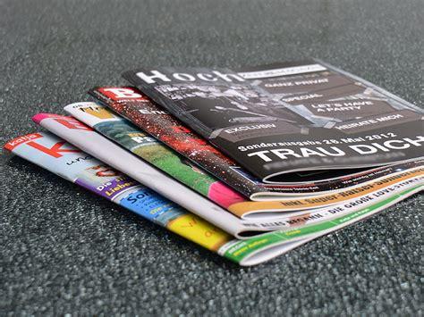 Zeitung Drucken Online Kleinauflage g 252 nstig hochzeitszeitung mit 2 facher heftung drucken