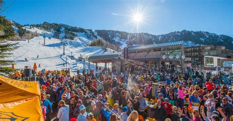 Sun Ski Patio by Your Guide To Apr 232 S Ski In Aspen Aspen Co Chamber