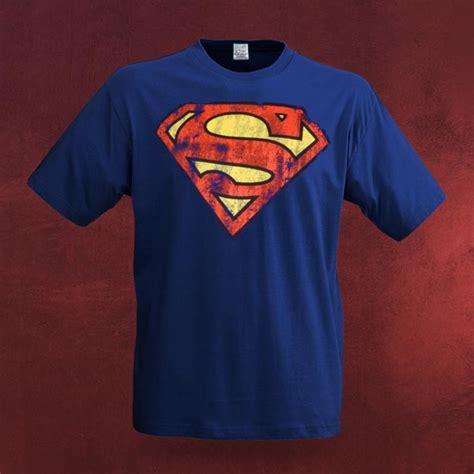 Tshirt Superman Logo Hitam superman distressed logo t shirt blau elbenwald