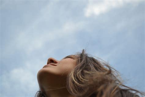 imagenes tristes mirando al cielo portuko itsasargi mirando al cielo