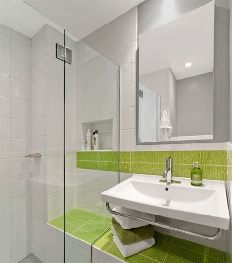 Green And White Bathroom Ideas | how to use green in bathroom designs