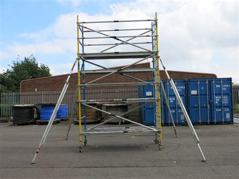 law section 46 2 870 sectional aluminium scaffold tower comprising 2 x ladder