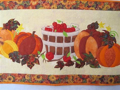 thanksgiving table runner quilt patterns thanksgiving table by mbyrne quilting pattern