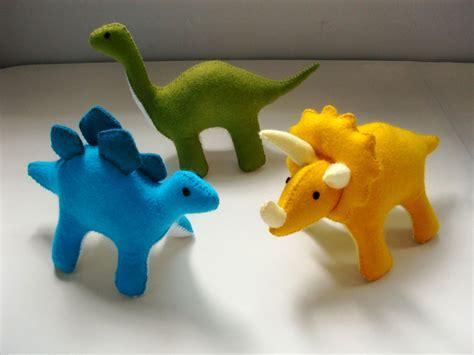 pattern for felt dinosaur felt dinosaur pattern set stegosaurus triceratops