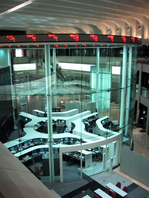 the stock room file tokyo stock exchange jpg wikimedia commons