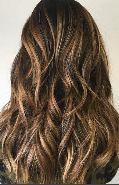 honey brown haie carmel highlights short hair brunette with honey hits mane interest brunettes
