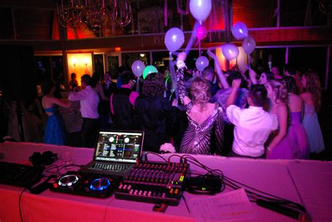 entertainment for we sound entertainment brings the prom dj