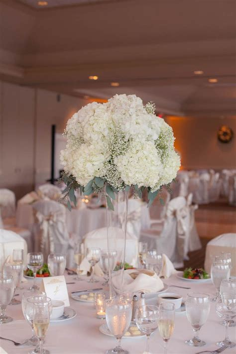 flower vases centerpieces 25 best ideas about white hydrangea centerpieces on