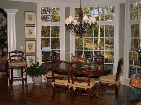cottage dining rooms casually chic dining room hgtv