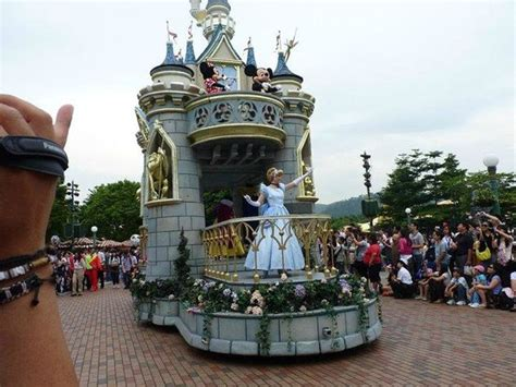 01 Day Hong Kong Disneyland Anak 1 day picture of hong kong disneyland hong kong tripadvisor
