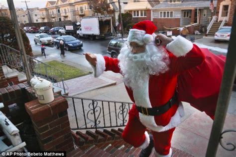 new york post newspaper best christmas presents superstorm santa the bringing gifts