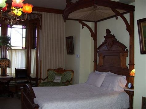 dubuque bed and breakfast richards house bed and breakfast dubuque ia omd 246 men