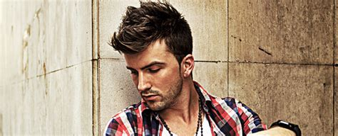 greaser hairstyle product pomade vs gel vs wax which is best for your hairstyle